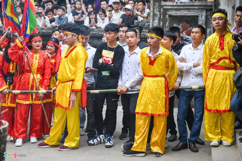 Tuong ba hoi Giong Soc Son duoc cong an bao ve anh 5