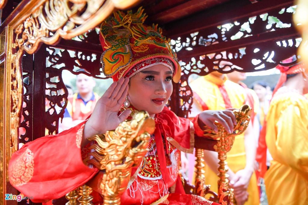 Tuong ba hoi Giong Soc Son duoc cong an bao ve anh 7