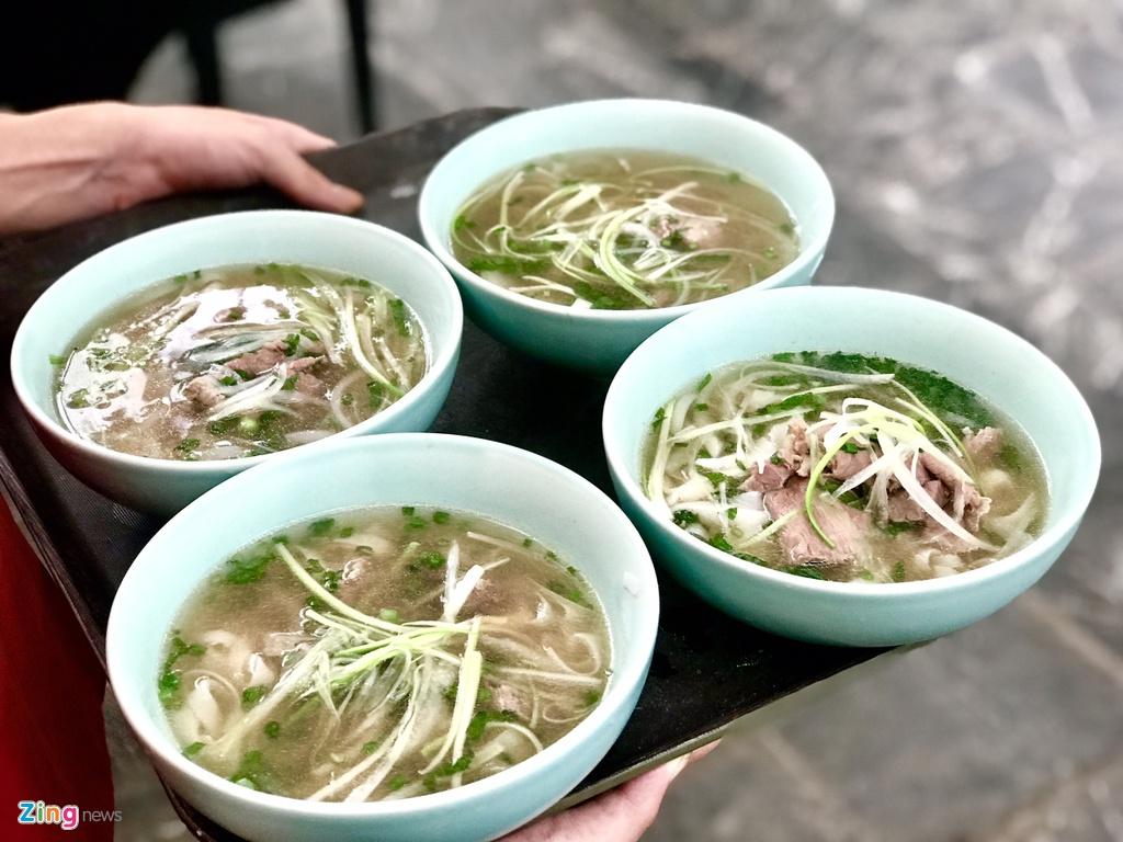 Pho, nem cua be trong bua trua cua phai doan Trieu Tien tai Ha Noi hinh anh 4