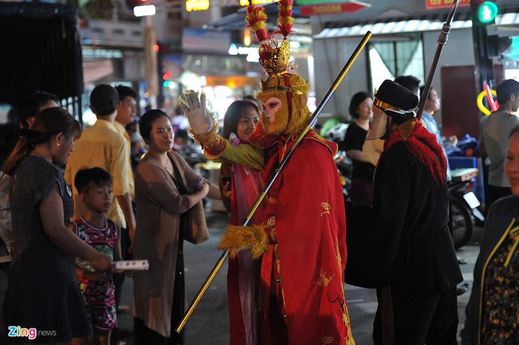 Cho dem Phu Quoc vang ve khac la dip nghi le hinh anh 12  - 12_zing - Chợ đêm Phú Quốc vắng vẻ khác lạ dịp nghỉ lễ