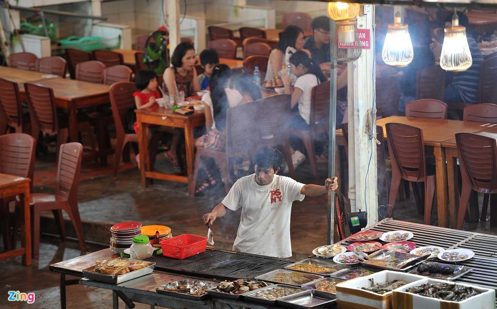 Cho dem Phu Quoc vang ve khac la dip nghi le hinh anh 7  - 7_zing - Chợ đêm Phú Quốc vắng vẻ khác lạ dịp nghỉ lễ