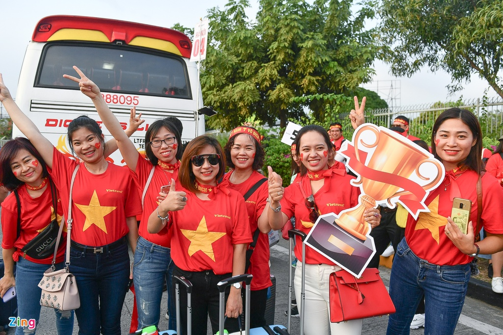 CDV Viet Nam tien ve san Rizal Memorial truoc gio bong lan hinh anh 2