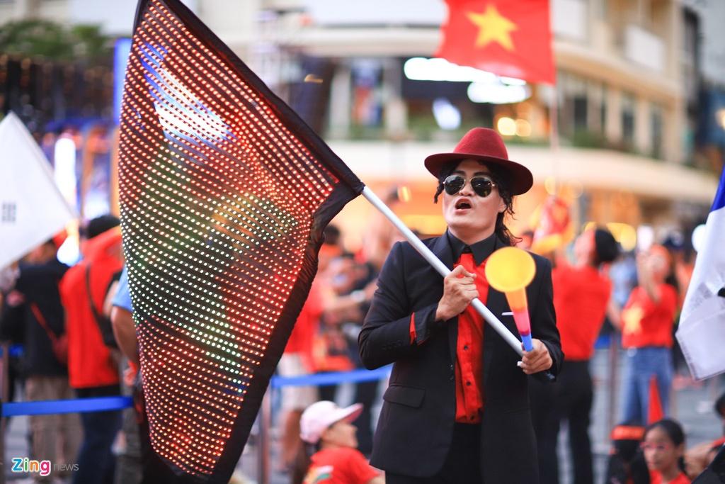 Pho Nguyen Hue kin dac nguoi dem U22 Viet Nam gianh HCV SEA Games hinh anh 2