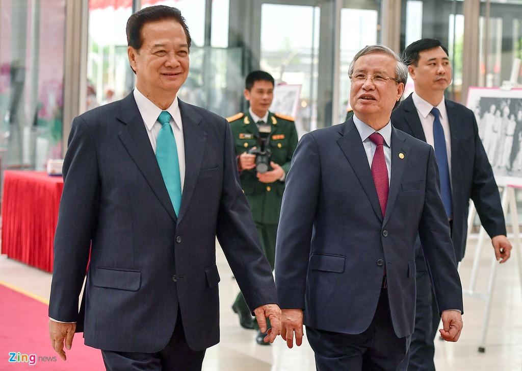 Lanh dao du Le ky niem 130 nam ngay sinh Chu tich Ho Chi Minh hinh anh 7 195_zing_2_.jpg