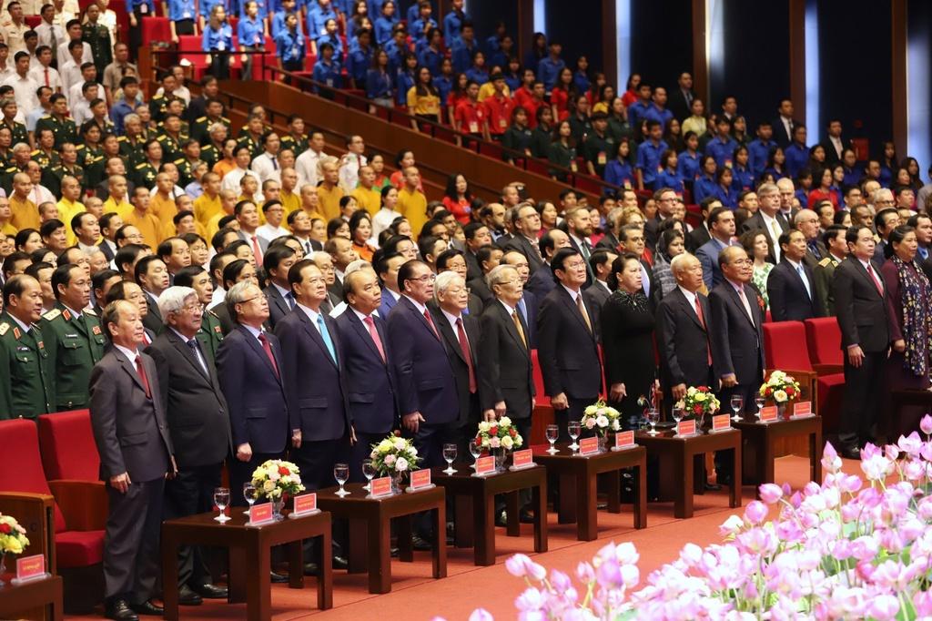Lanh dao du Le ky niem 130 nam ngay sinh Chu tich Ho Chi Minh hinh anh 12 Chaoco.jpg