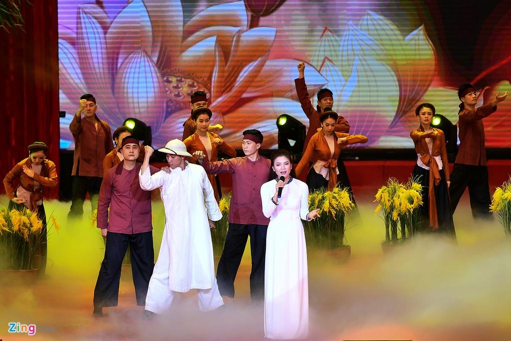 Lanh dao du Le ky niem 130 nam ngay sinh Chu tich Ho Chi Minh hinh anh 16 DSC_6651_zing.jpg