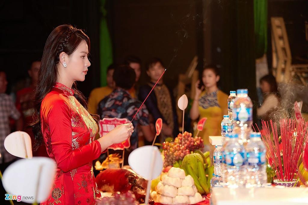 Thanh Son,  Thu Quynh dang huong ngay gio To san khau anh 4