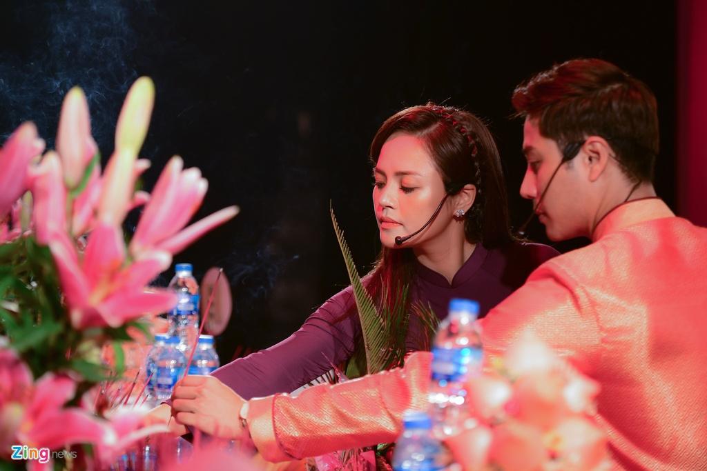 Thanh Son,  Thu Quynh dang huong ngay gio To san khau anh 3
