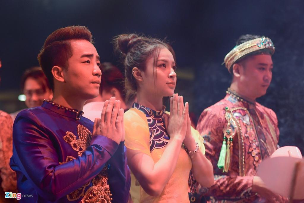 Thanh Son,  Thu Quynh dang huong ngay gio To san khau anh 5