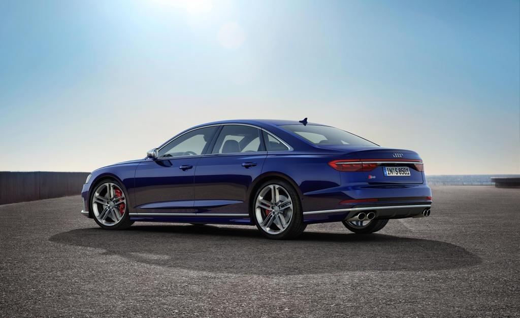 'Sieu sedan' Audi S8 2020 lo dien, khoi diem tu 100.000 USD hinh anh 2