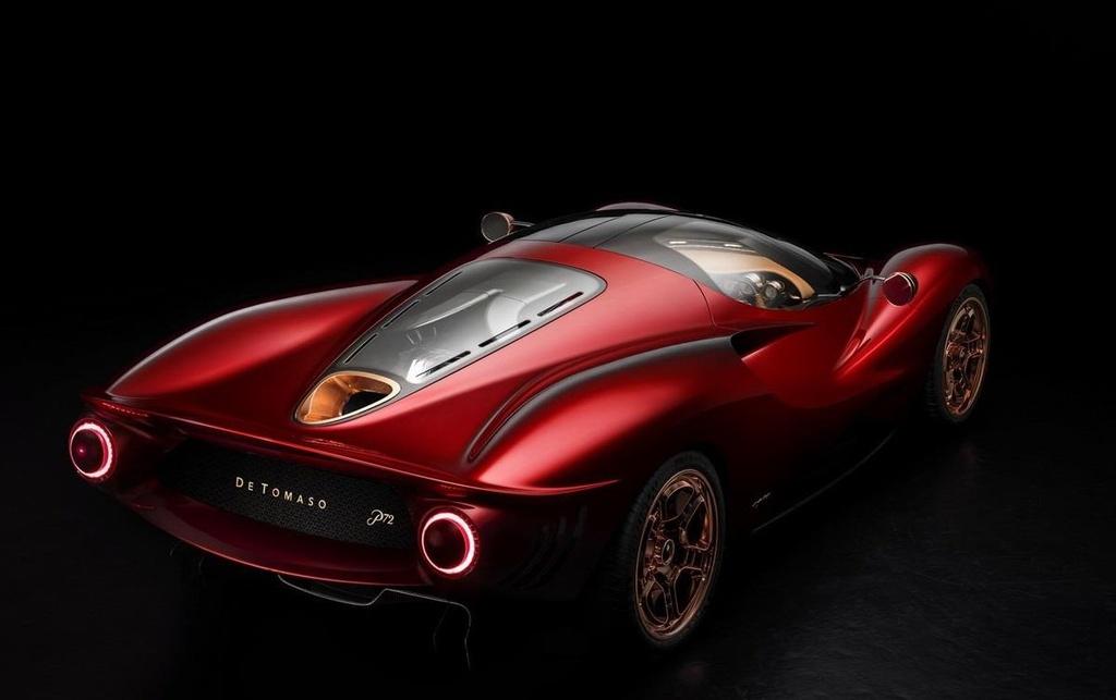 Vua lo dien, sieu xe De Tomaso bi to sao chep thiet ke cua Ferrari hinh anh 2