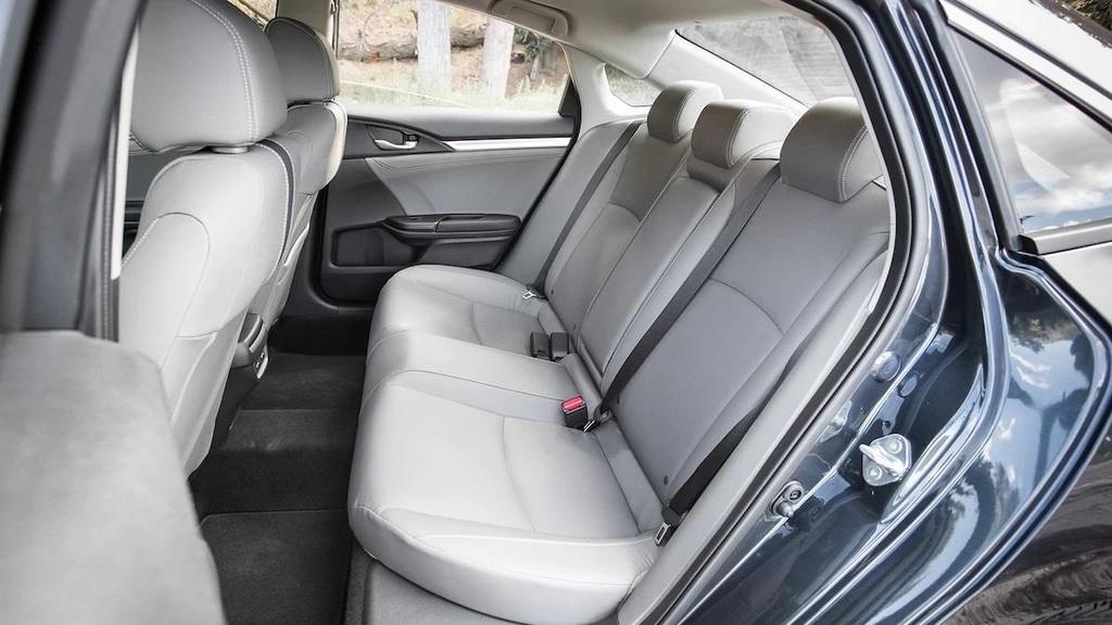 so sanh Honda Civic 2019 va Mazda3 2019 anh 5