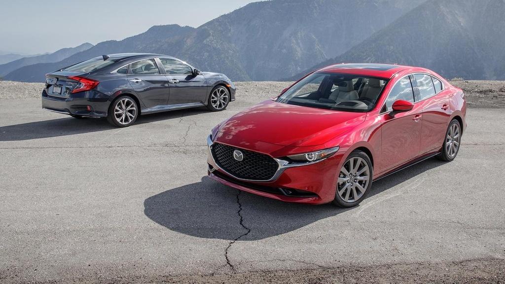 so sanh Honda Civic 2019 va Mazda3 2019 anh 1
