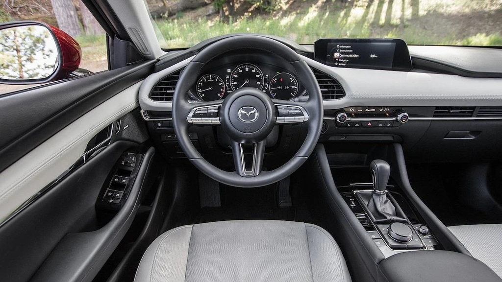 so sanh Honda Civic 2019 va Mazda3 2019 anh 8