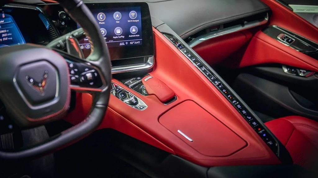 danh gia noi that sieu xe Chevrolet Corvette C8 2020 anh 4