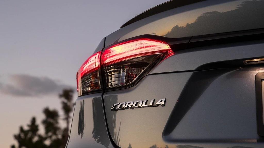 so sanh Toyota Corolla XSE 2020 va Honda Civic Touring 2019 anh 5