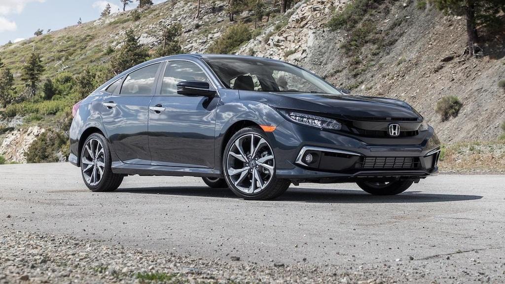 so sanh Toyota Corolla XSE 2020 va Honda Civic Touring 2019 anh 21