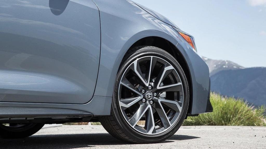 so sanh Toyota Corolla XSE 2020 va Honda Civic Touring 2019 anh 8