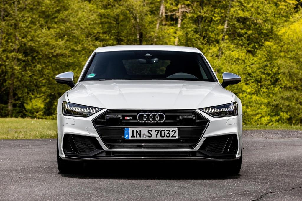 Danh gia nhanh Audi S7 2020 - 'ten lua hanh trinh' 444 ma luc hinh anh 3