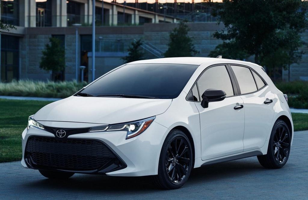 Toyota Corolla 2020 co phien ban bong dem anh 1