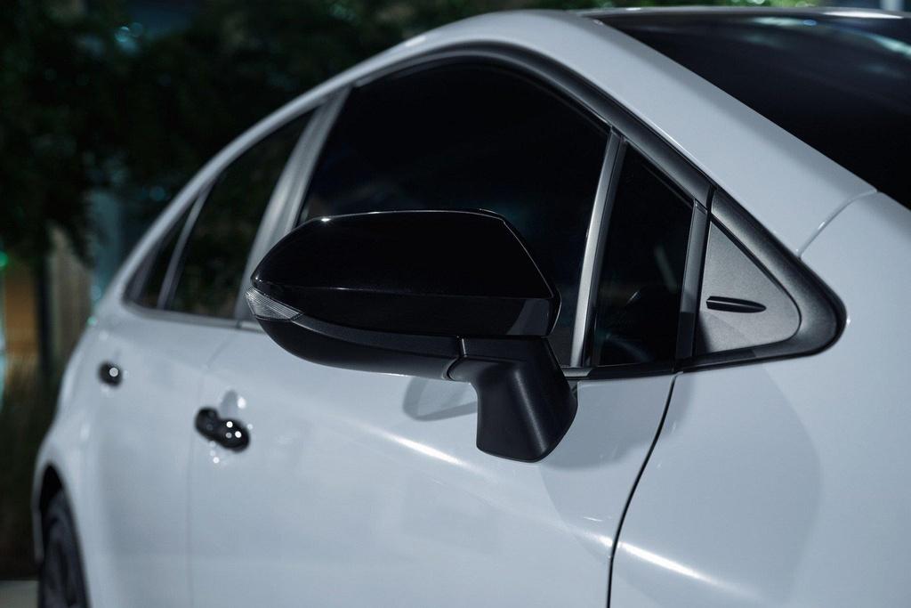 Toyota Corolla 2020 co phien ban bong dem anh 5