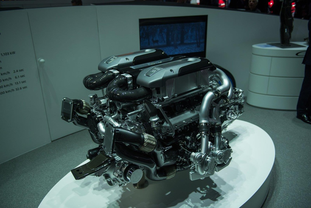 Kham pha Centodieci 2020 - sieu xe 9 trieu USD manh nhat cua Bugatti hinh anh 19