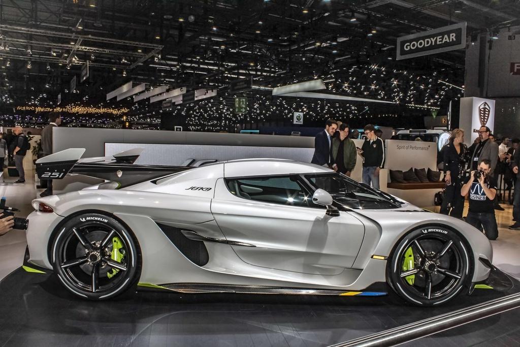 Kham pha Centodieci 2020 - sieu xe 9 trieu USD manh nhat cua Bugatti hinh anh 24