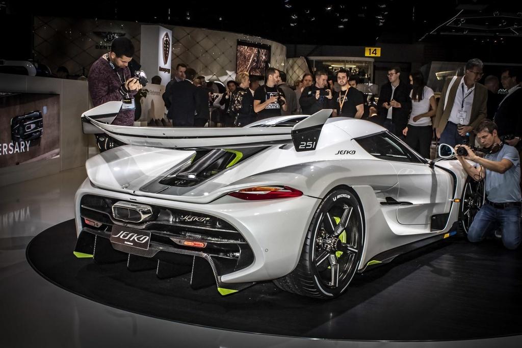 Kham pha Centodieci 2020 - sieu xe 9 trieu USD manh nhat cua Bugatti hinh anh 25