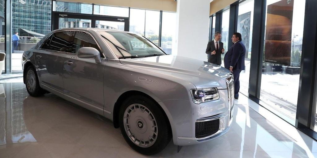 'Limousine cua Putin' bat dau ban ra thi truong, gia 274.000 USD hinh anh 4