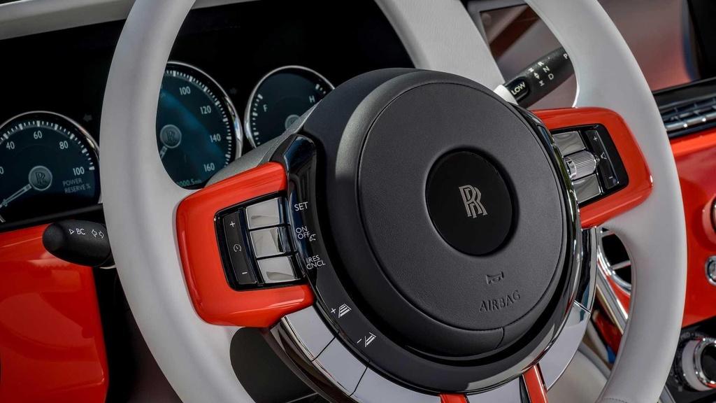 Nguoi dan ong nay so huu 10 xe Rolls-Royce, moi chiec mot mau hinh anh 5