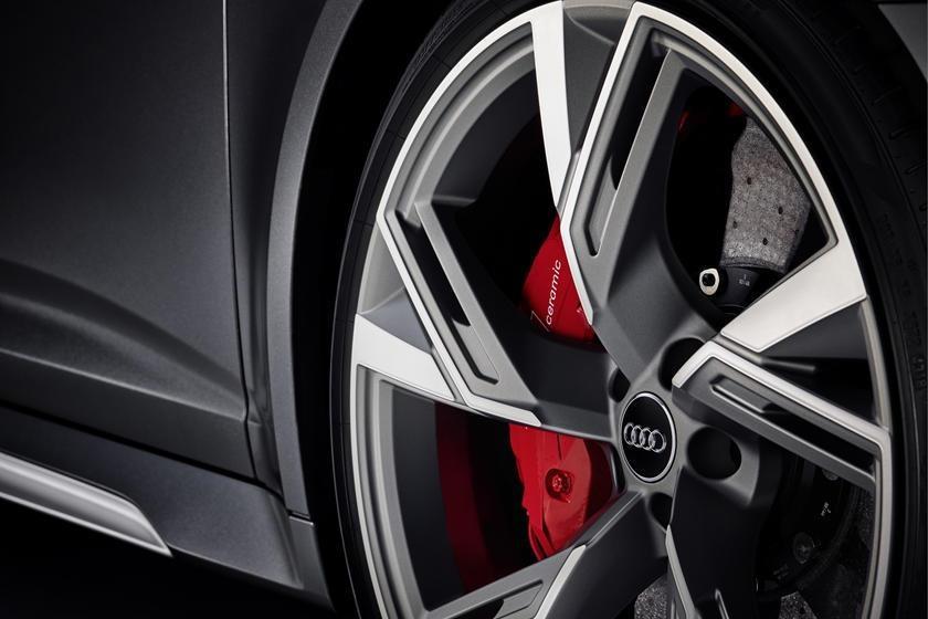 Audi RS6 dau voi Mercedes-AMG E63 - tran chien xe gia dinh hang sang hinh anh 15