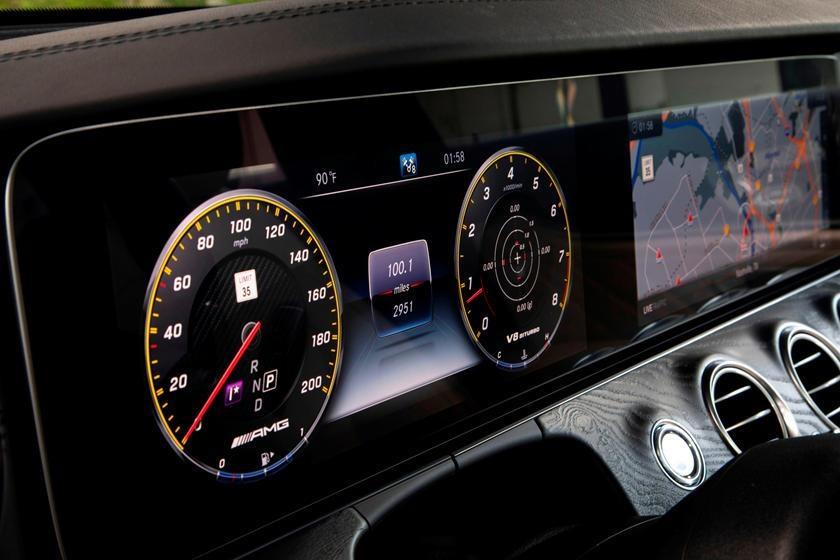 Audi RS6 dau voi Mercedes-AMG E63 anh 17