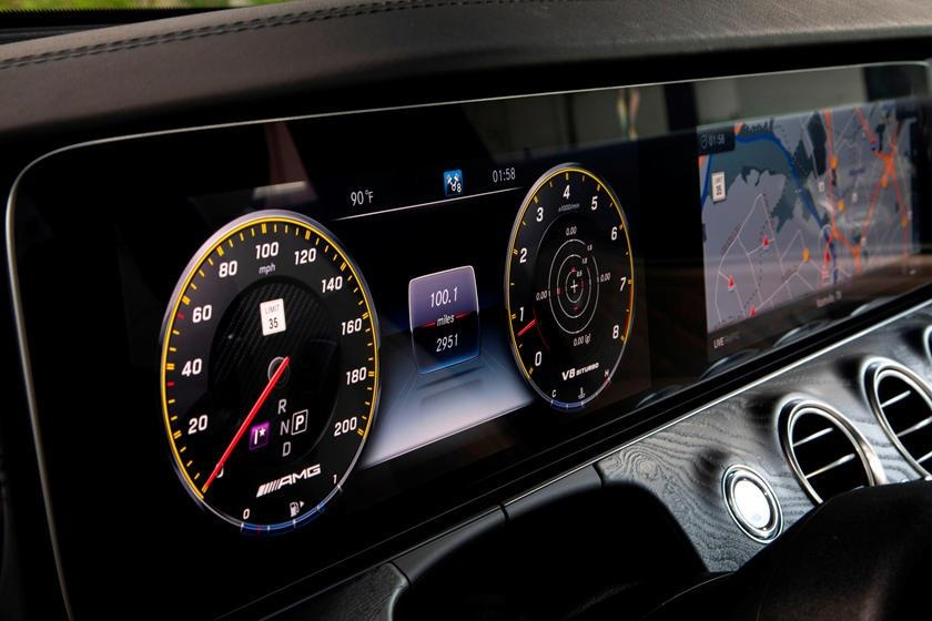 Audi RS6 dau voi Mercedes-AMG E63 - tran chien xe gia dinh hang sang hinh anh 17