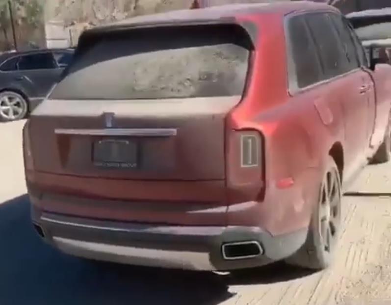 Nhieu xe sang Rolls-Royce bi bo hoang tai Dubai giau co hinh anh 2