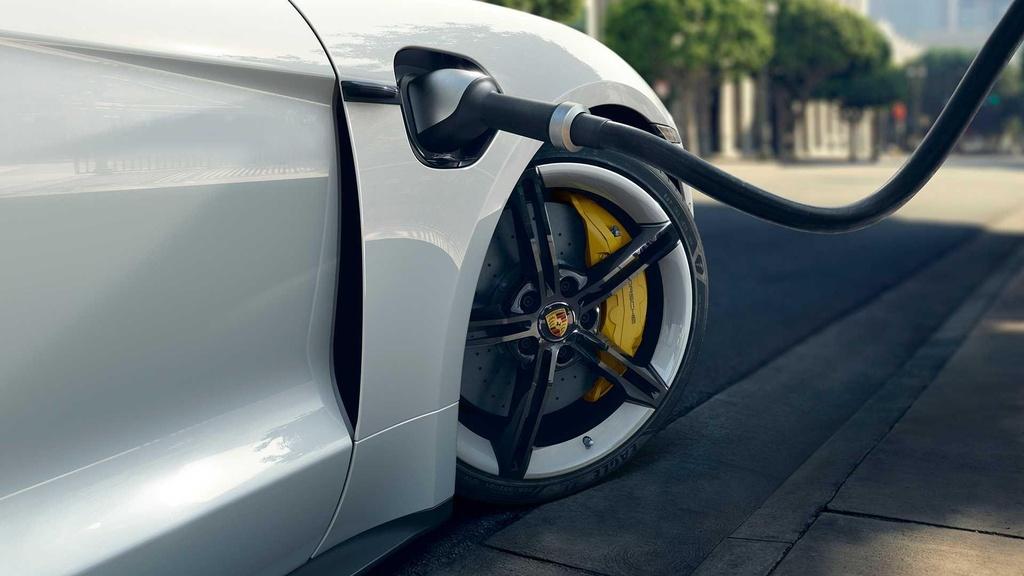 Porsche Taycan 2020 ra mat anh 4