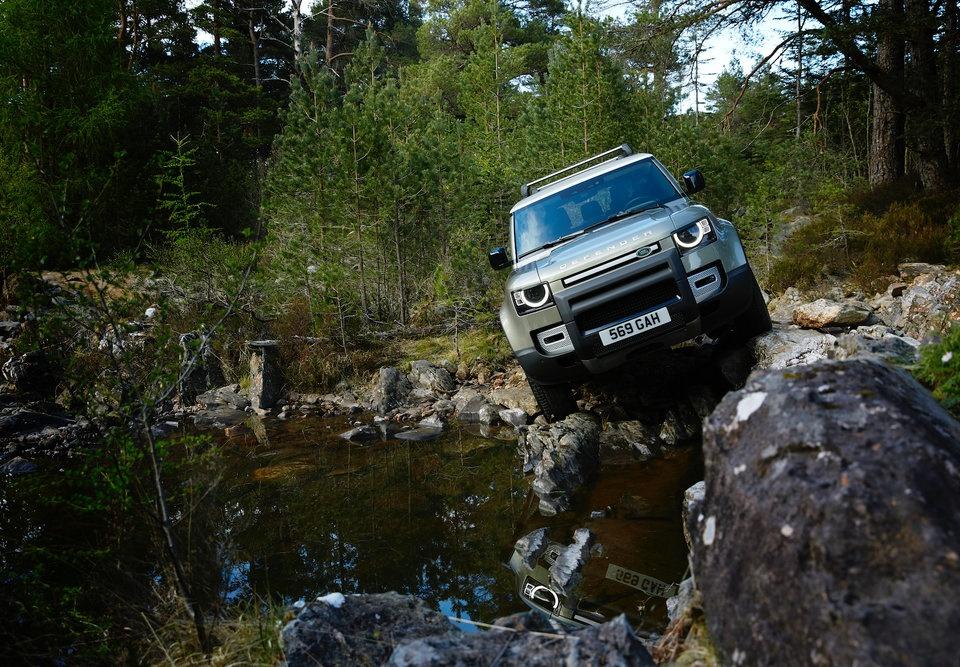 Land Rover Defender 2020 chinh thuc ra mat, la lam va cuc mich hinh anh 7