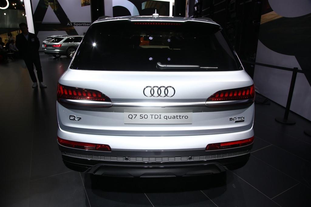 Audi Q7 2020 xuat hien, noi that sang va hien dai hinh anh 3