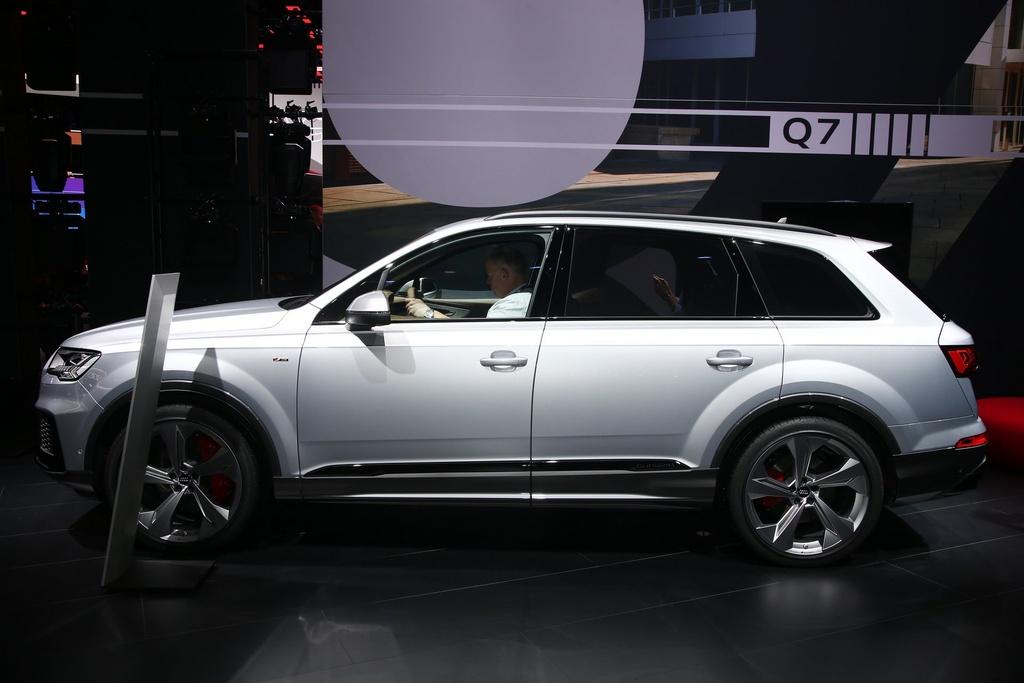 Audi Q7 2020 xuat hien, noi that sang va hien dai hinh anh 1