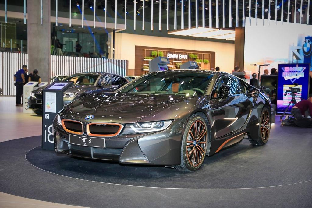 BMW ra phien ban i8 cuoi cung, chuan bi khai tu hinh anh 1