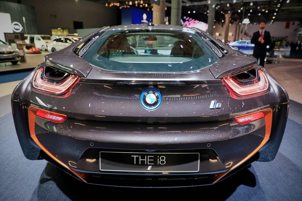 BMW ra phien ban i8 cuoi cung, chuan bi khai tu hinh anh 4