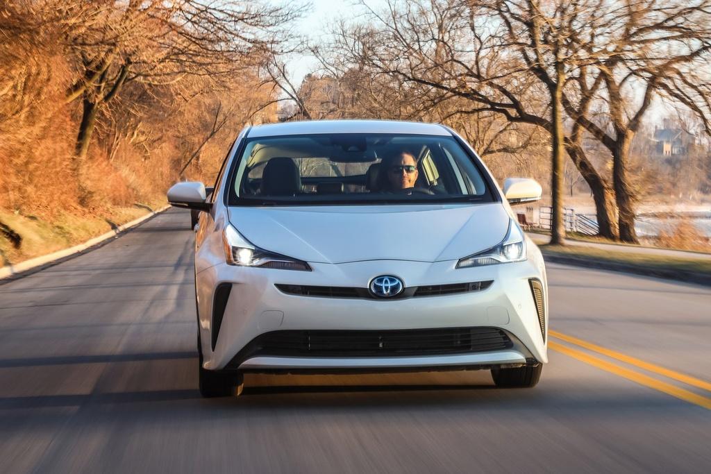 Toyota nâng cấp Prius 2020, thêm an toàn, hỗ trợ Apple CarPlay