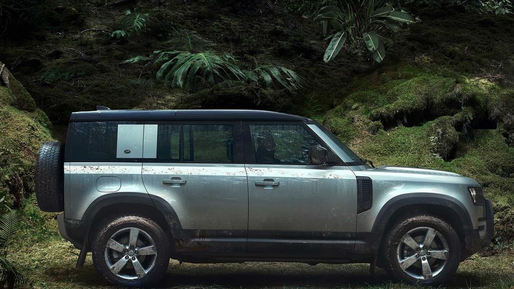Land Rover Defender moi va cu anh 3