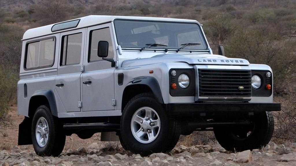 Land Rover Defender moi va cu anh 2