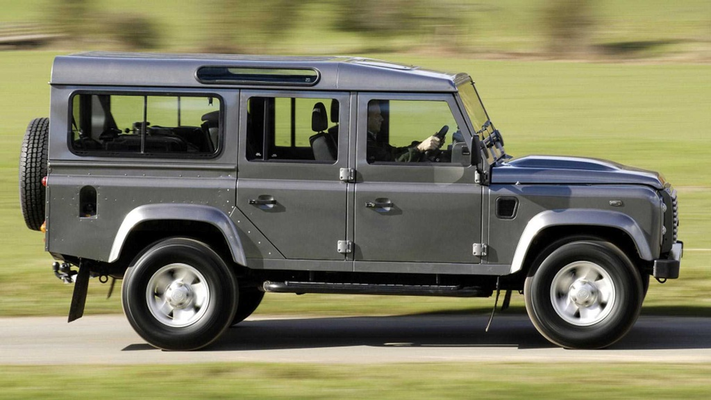Land Rover Defender moi va cu anh 4