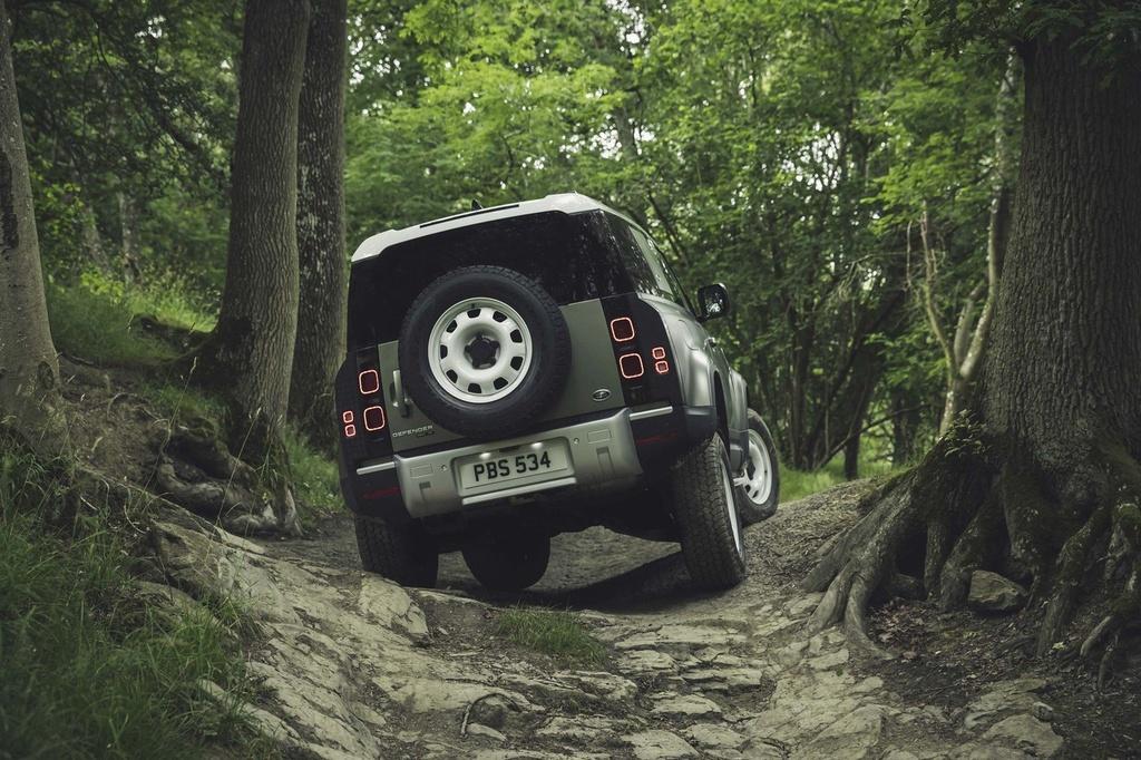 Day la ly do Land Rover Defender 2020 khong co phien ban so san hinh anh 7