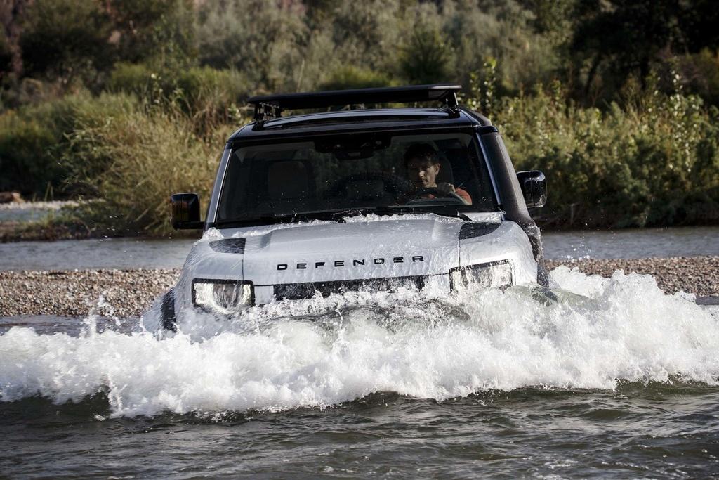 Day la ly do Land Rover Defender 2020 khong co phien ban so san hinh anh 9