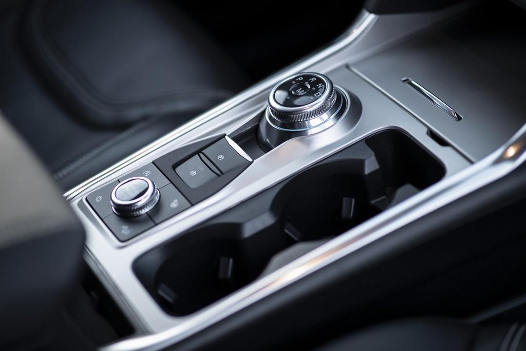 Kia Telluride 2020 dau voi Ford Explorer 2020 - bai binh phuc han hinh anh 6