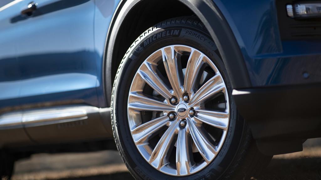 Kia Telluride 2020 dau voi Ford Explorer 2020 - bai binh phuc han hinh anh 12