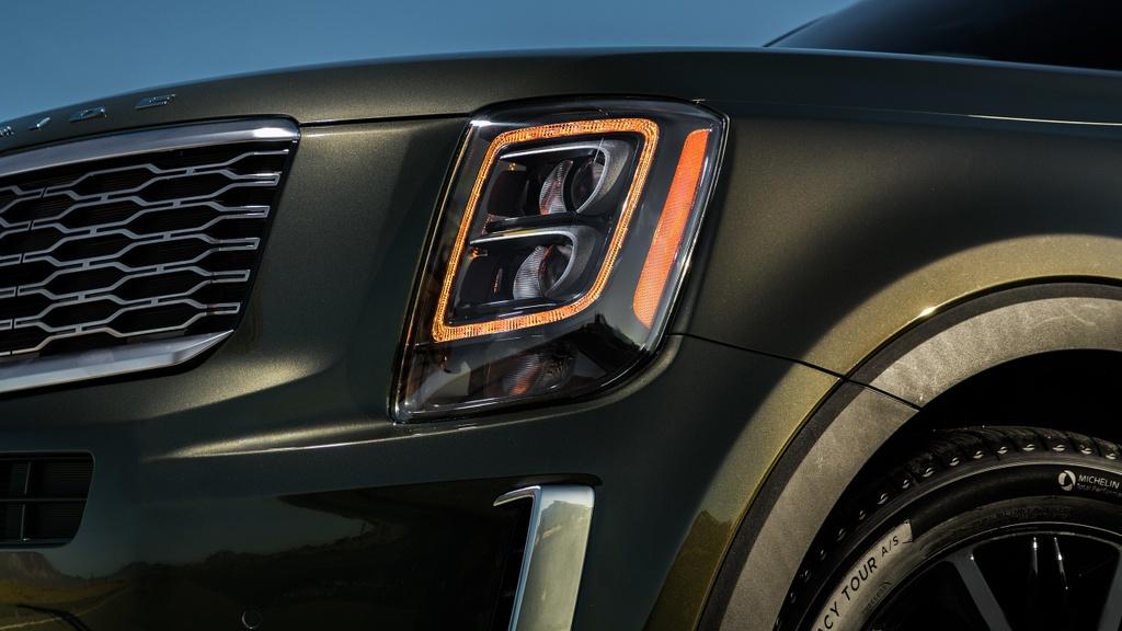 Kia Telluride 2020 dau voi Ford Explorer 2020 - bai binh phuc han hinh anh 13