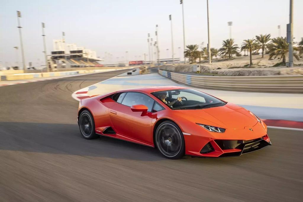 thue xe Lamborghini o My anh 3